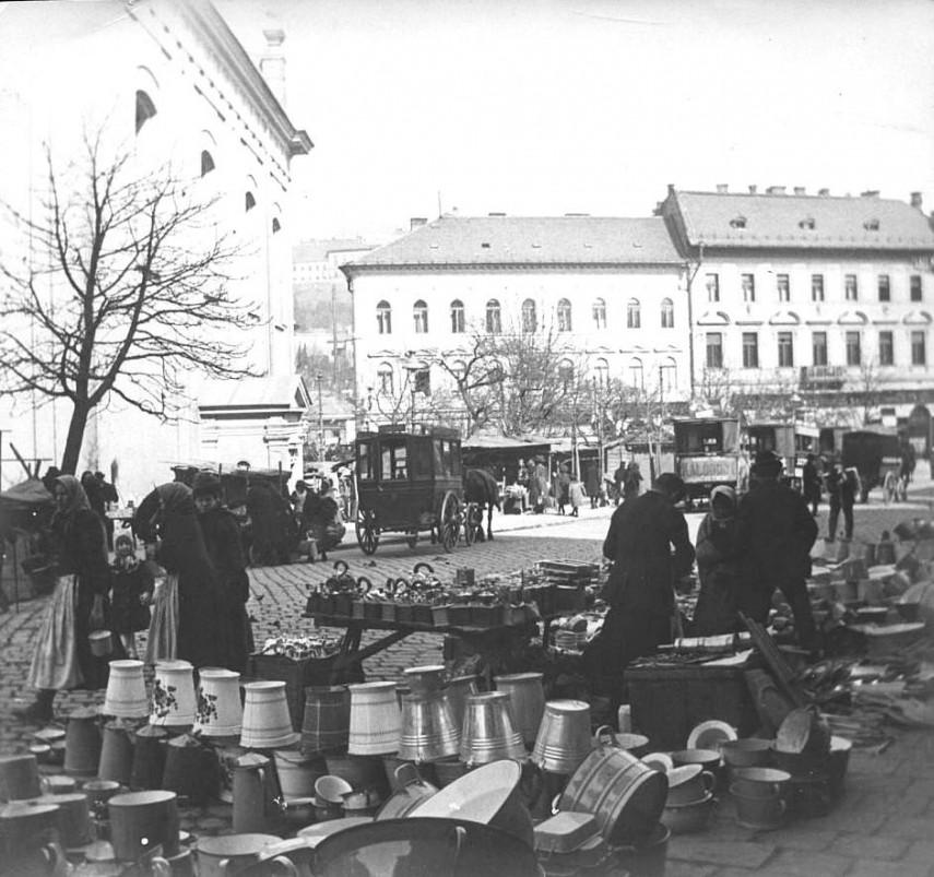 1920-táján, Krisztina tér