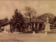 1929, Keleti Károly utca a Bimbó útnál, a Nepomuki Szent János szobra