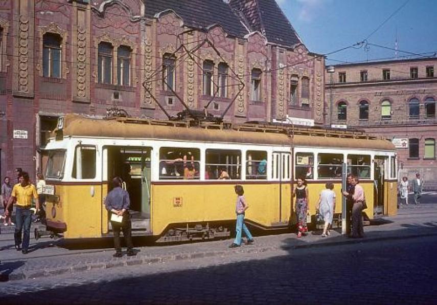 1976, Vörösvári út, 3. kerület
