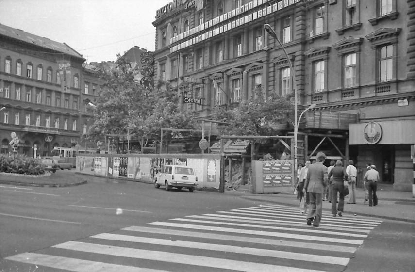 1977, November 7. tér (Oktogon), 6. kerület