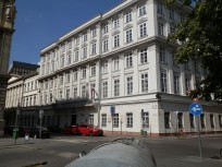 2017, Akadémia utca
