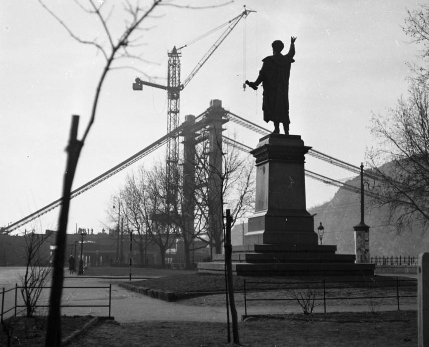 1962,  Petőfi tér, az Erzsébet híd építése, 5. kerület