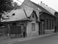 1982, Kossuth Lajos utca a Donszky Árpád utca felől a Rózsa Richárd (Mária Terézia) utca felé nézve, 22. kerület
