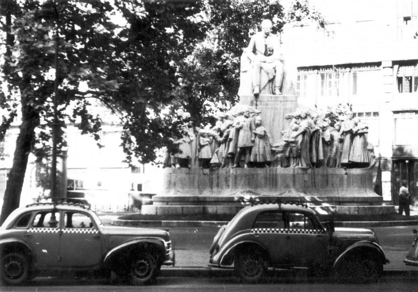 1957, Vörösmarty tér, Vörösmarty Mihály szobra, 5. kerület