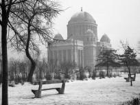 1968, Rezső tér, a MAGYAROK  NAGYASSZONYA  TEMPLOM, 8. kerület