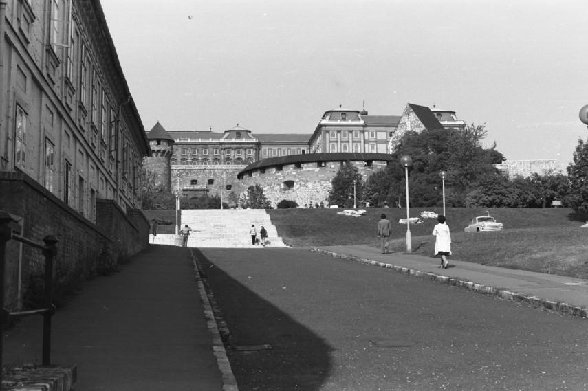 1975, Váralja utca, 1. kerület