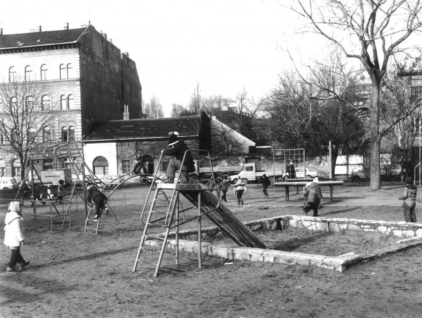 1977, Teleki László tér, 8. kerület