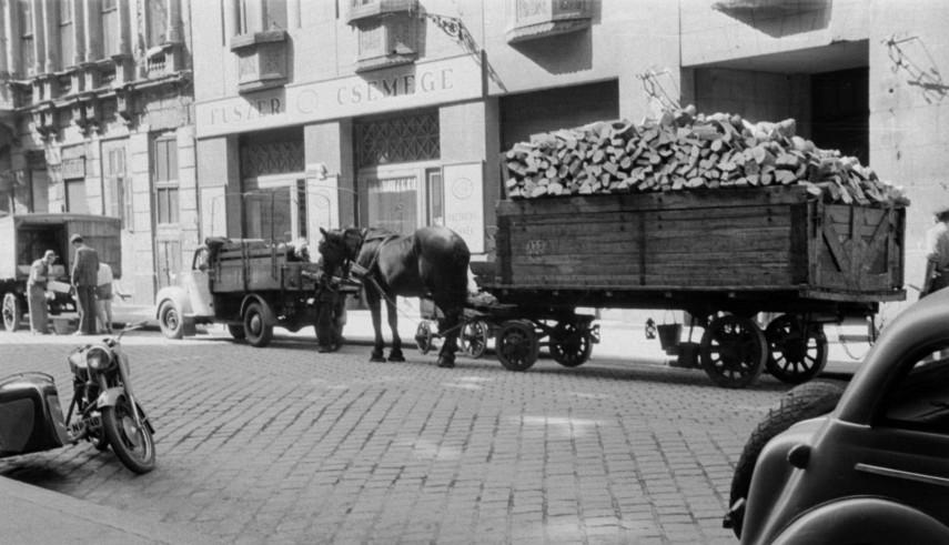 1955, Jókai utca 10. és 12., 6. kerület