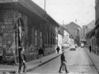 1969, Koszorú utca