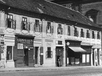 1930, Apród utca