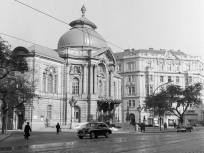 1960, Szent István körút, a Magyar Néphadsereg Színháza (Vígszínház)