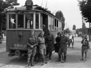 1954, Béke tér, balra a Vörös Hadsereg útja (Üllői út) sarok, 18. kerület
