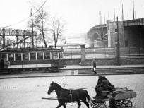 1941, Boráros tér, a Horthy Miklós (Petőfi) híd, pesti hídfő