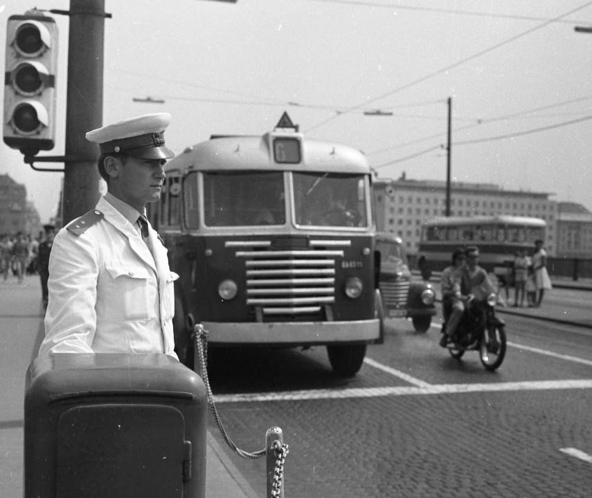 1964, Margit híd a szigeti lejárónál, 13. kerület