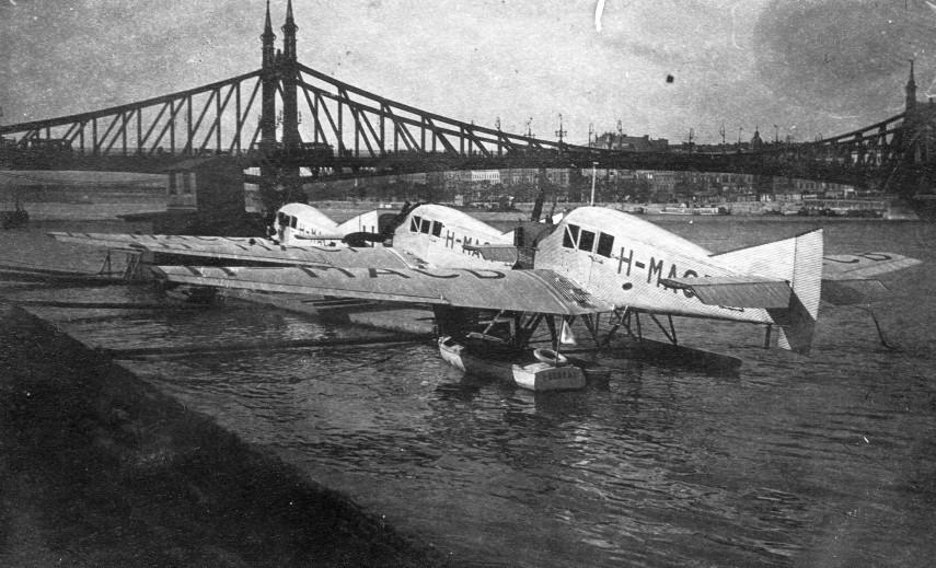 1925, Budai alsó (Langlet és Nina Waldemár) rakpart, a Ferencz József híd közelében, (1950-től) 11. kerület