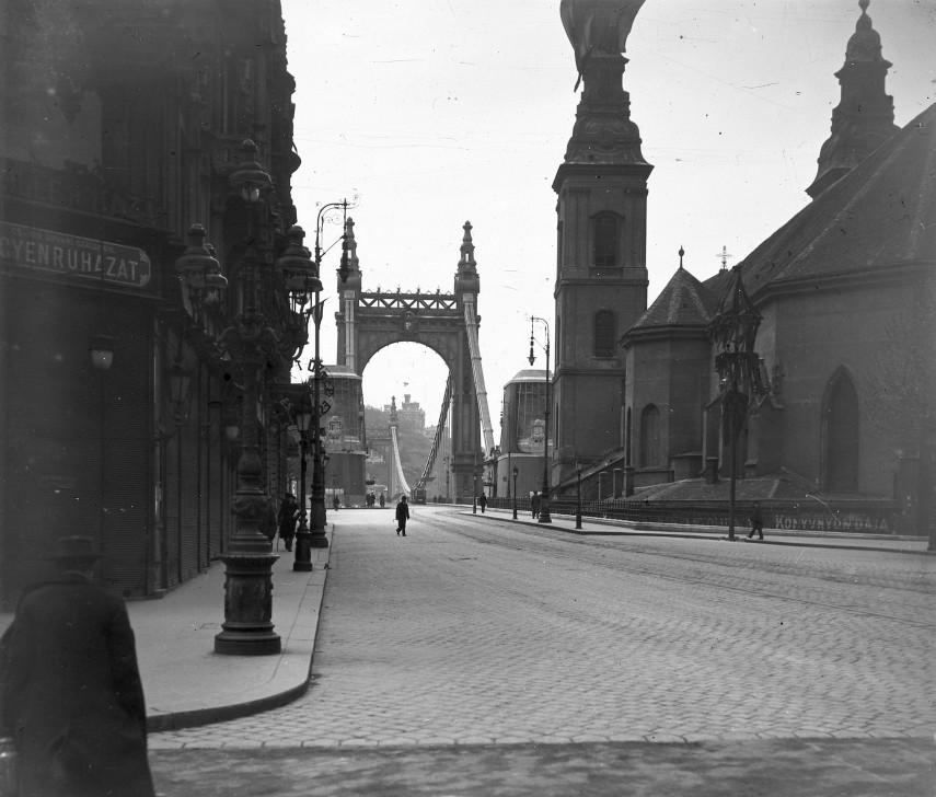 1919, Eskü (Szabad sajtó) út, 4. (1950-től) 5. kerület
