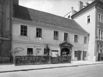 1967, Országház utca, 1. kerület