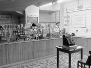 1951, Kerepesi út, az Utasellátó boltja, 8. kerület