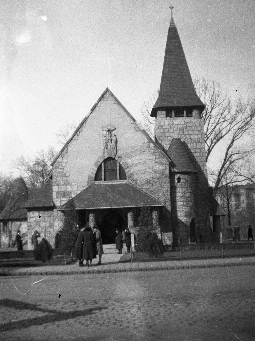 1935, Csaba utca, Városmajori Régi Templom