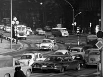 1965, a József Attila utca a Népköztársaság útja (Andrássy út) felé nézve, 5. és 6. kerület