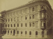 1880-as évek, Zöldfa (Veres Pálné) utca a Borz (Nyáry Pál) utcánál, a Kecskeméti-ház