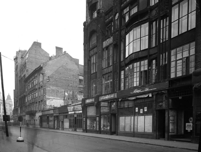 1952, Deák Ferenc utca a Deák Ferenc tér felé nézve, 5. kerület