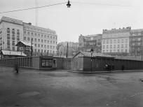 1952, Sztálin (Erzsébet) tér a Harmincad utca felől a Deák Ferenc tér felé nézve