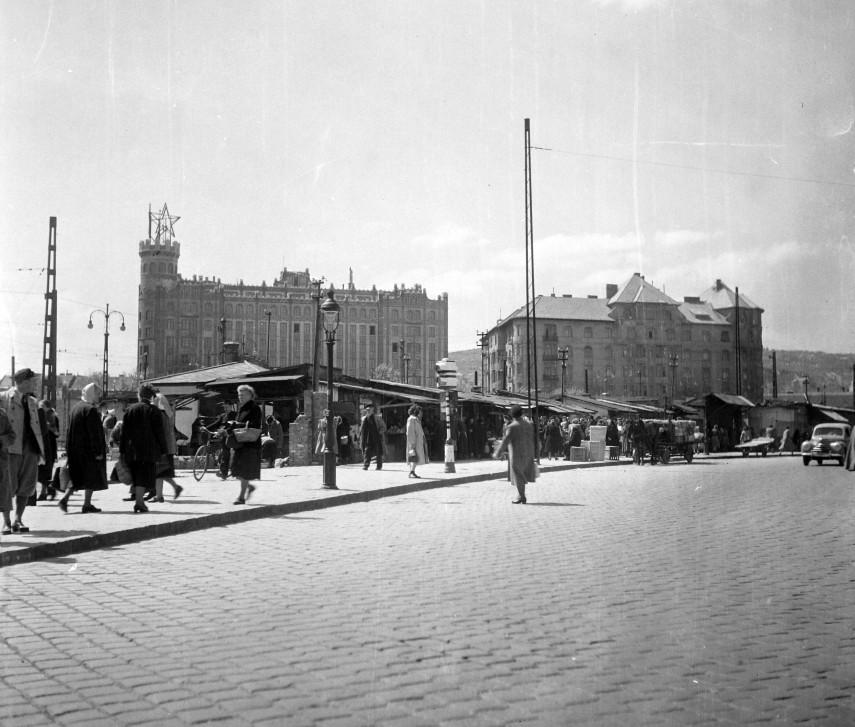 1951, Moszkva (Széll Kálmán) tér, háttérben a Postapalotával