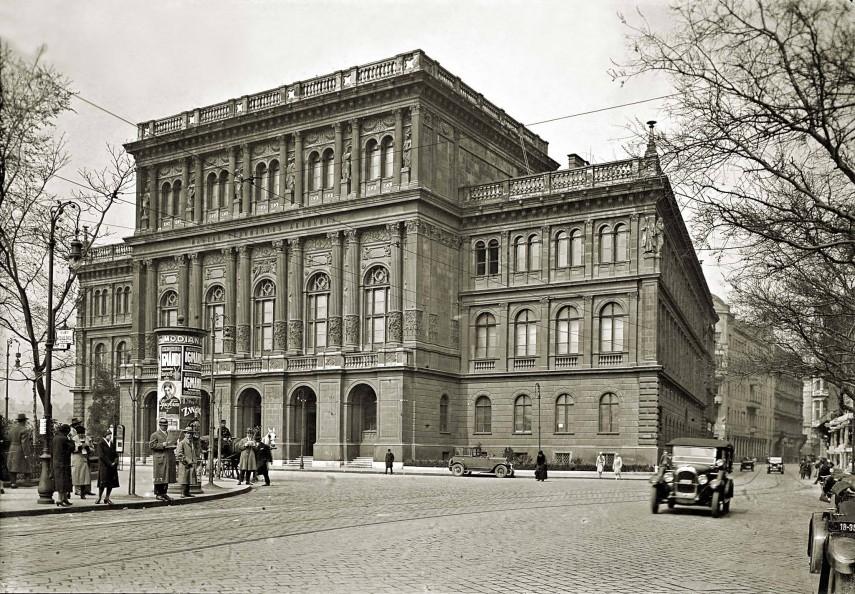 1928. Ferenc József  (Széchenyi) tér, 4. (1950-től 5.)  kerület