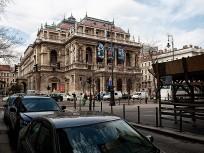 1883, Andrássy út, az Operaház...2013-ban, 6.kerület