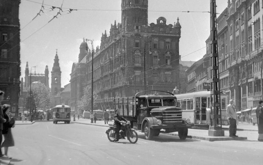 1957, Felszabadulás tér (Ferenciek tere), 4.(1950-től) 5. kerület