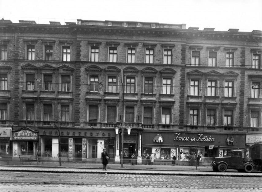 1957, Lenin körút 116. (Teréz körút 58.), 6. kerület