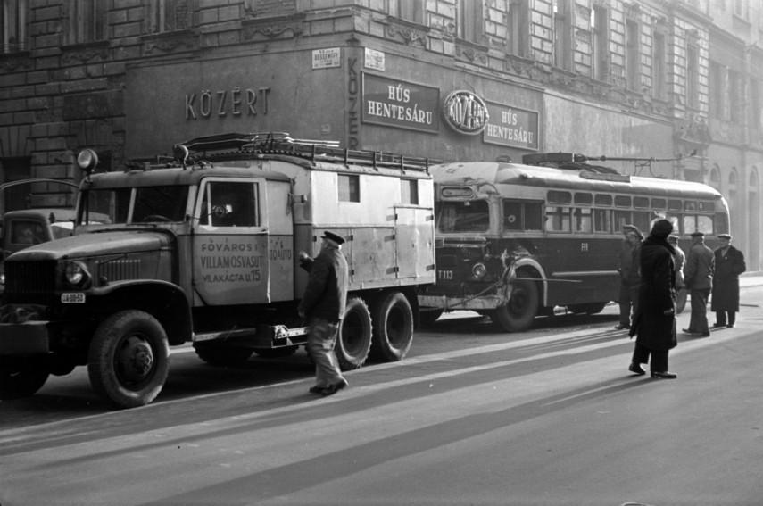 1961, Nagymező utca a Dessewffy utcánál