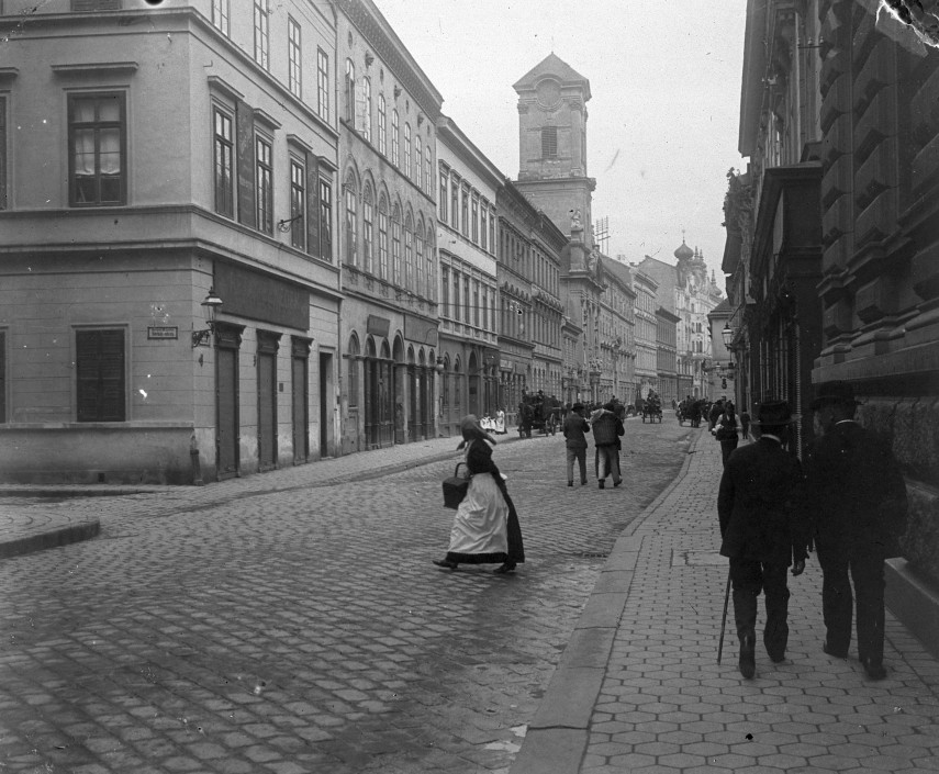 1905, Váci utca
