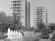 1975, Építő út, 18. kerület