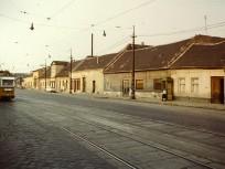 1975, Bécsi út a Szépvölgyi út felől a Nagyszombat utca felé nézve, 3. kerület