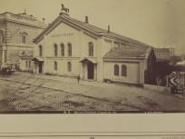 1880-as évek, Eszterházy utca (Pollack Mihály tér), a Nemzeti Lovarda