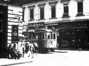 1935-1941, a 2-es villamos a Dob utcában. 7. kerület